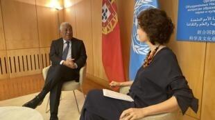 O primeiro-ministro português, António Costa, e a directora-geral da UNESCO, Audrey Azoulay. Paris, 25 de Novembro de 2019.
