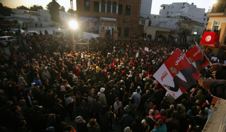 Des milliers de partisans sont venus écouter le disours de Moncef Marzouki après sa défaite au second tour de l'élection présidentielle, le 23 décembre 2014, à Tunis.