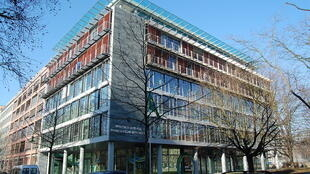 Fachada da embaixada brasileira em Berlim