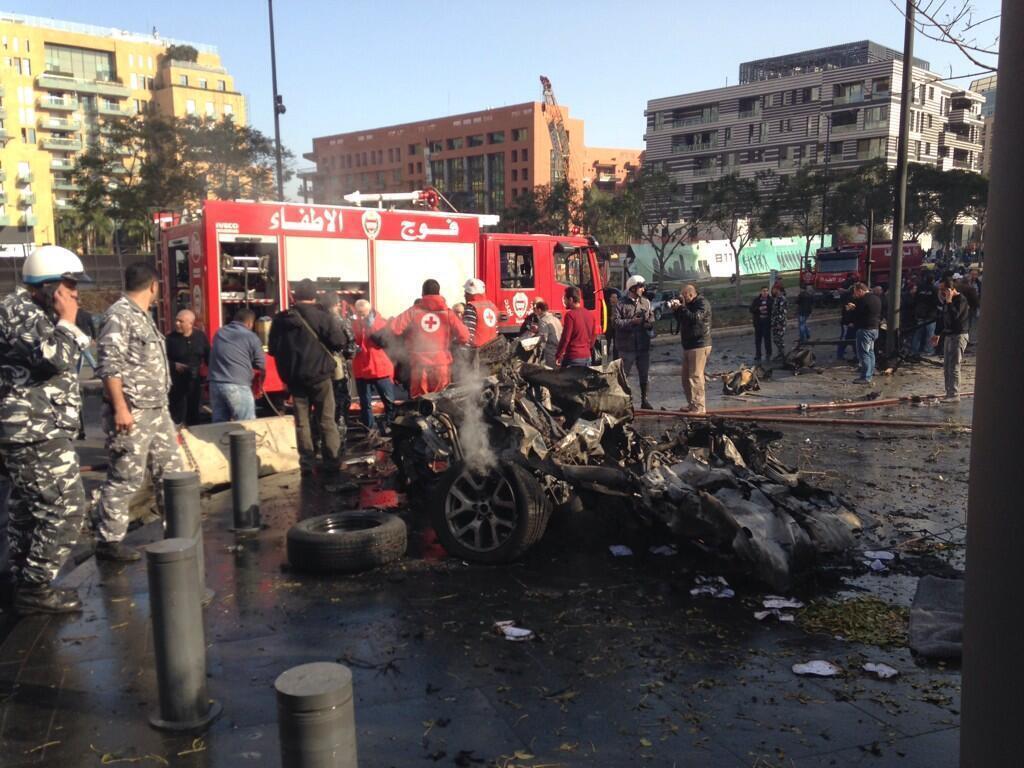 O atentado foi realizado com carro bomba e deixou 5 mortos em Beirute.