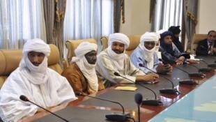La défection de l'«amenokal» est assurément un coup dur pour le MNLA. Photo: délégation du mouvement à Ouagadougou, en novembre 2012.