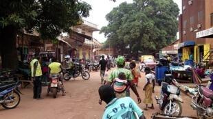Une rue de Kankan en Guinée.