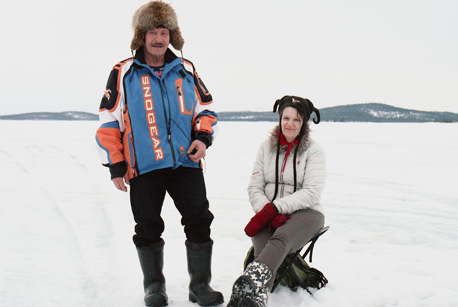 Jouni et Marianne Haikio, pêcheurs et éleveurs de rennes sur le lac d'Inari.