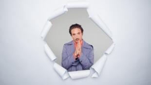 Portrait de Lord Esperanza, son premier album «Drapeau blanc» vient de sortir.