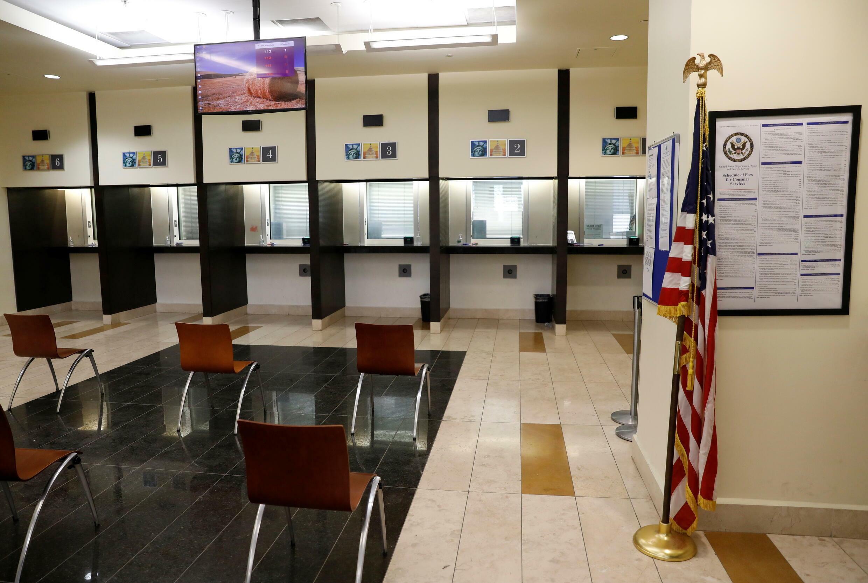 7月30日,美國駐阿富汗大使館簽證區資料圖片