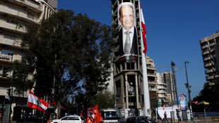 A Beyrouth, le 30 octobre 2016. Un poster géant de Michel Aoun qui devrait être le prochain président libanais.