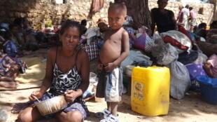 Le camp militaire de Tulear accueille encore plus de 1 500 sans-abri.