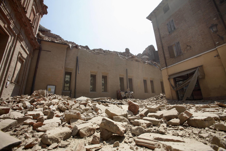 Construções destruídas pelo terremoto desta terça-feira em Mirandola, perto de Modena, ao norte da Itália.