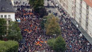 Hàng ngàn người tuần hành trên đường phố Chemnitz, phía đông nước Đức, ngày 01/09/2018