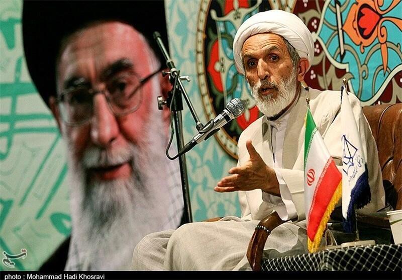 سخنرانی حجتالاسلام مهدی طائب رئیس قرارگاه عمار، در دانشگاه یزد. ٩ دی/ ٣٠ دسامبر ٢٠١۵