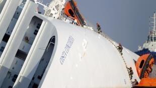 Возобновление поисков погибших на лайнере Costa Concordia