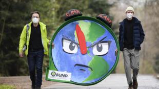 Des activistes pour le climat à Stuttgart, le 8 avril 2021.