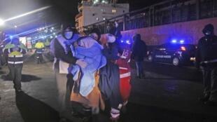 Иммигранты, спасенные итальянскими пограничными службами 31 декабря.