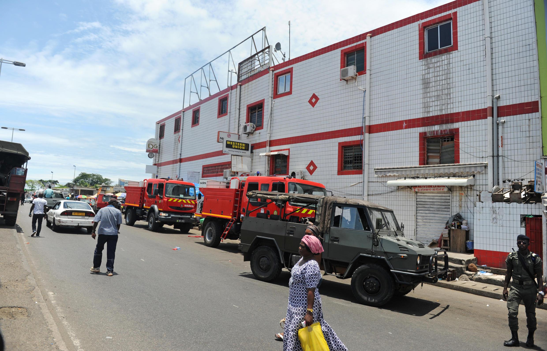 Patrouille militaire dans une rue de Libreville, samedi 24 septembre.