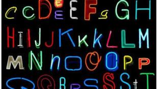 Alfabeto en neón