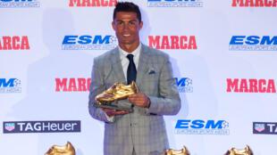 Cristiano Ronaldo a reçu son 4ème Soulier d'Or, le 13 octobre 2015.