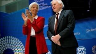 Nhà khoa học Anh David Attenborough (P) và tổng giám đốc IMF Christine Lagarde nhân khóa họp mùa xuân của Ngân hàng Thế giới và IMF tại Washington. Ảnh 11/04/2019.