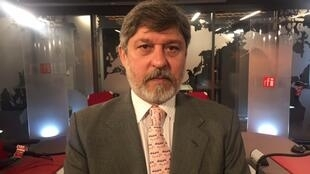 Paulo César de Oliveira Campos, embaixador do Brasil na França