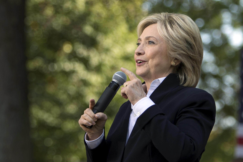 準備問鼎白宮的希拉里10月7日在一場造勢大會上演講