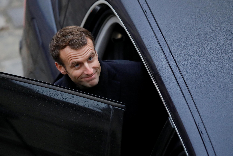 В гараже Елисейского дворца стоят два бронированных автомобиля, которыми постоянно пользуется Эмманюэль Макрон.