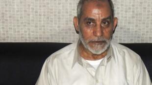 Mohamed Badie, líder da Irmandade Muçulmana, após sua prisão no Cairo, Egito, nesta terça-feira, 20 de agosto de 2013.