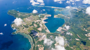 Vista aérea de la base naval de EEUU en Guam el 20 de septiembre de 2006.