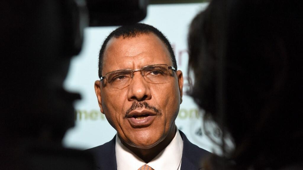 Niger: Mohamed Bazoum à Alger, une visite très attendue sur le plan sécuritaire