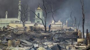 Mosquée incendiée à Meikhtila (Birmanie), le 21 mars 2013.