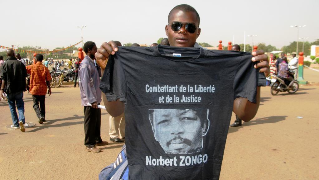 Un manifestant burkinabè présent à la cérémonie du souvenir de Norbert Zongo, le 13 décembre 2014, à Ouagadougou (image d'illustration).