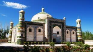 新疆喀什老城区的艾提尕尔清真寺