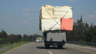 Sur une autoroute syrienne.