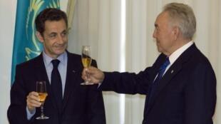Николя Саркози (слева) и Нурсултан Назарбаев