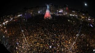 Manifestantes tomaram a praça da République, no centro de Paris