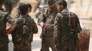 美军与叙利亚民主力量并肩作战