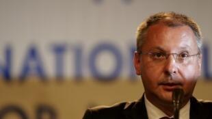 Лидер болгарской соцпартии Сергей Станишев на пресс-конференции в Софии 13/05/2013