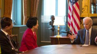 拜登3日在白宫会见陈方安生和李柱铭