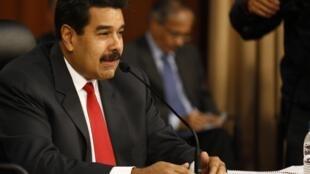 O presidente Nicolás Maduro, durante encontro com a oposição que durou seis horas e foi transmitido ao vivo pela televisão.
