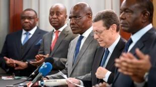 Viongozi wa upinzani wa DRC katika mkutano wa Geneva Uswis, pamoja na Martin Fayulu pia Alan Doss mkuu wa wakfu wa Koffi Anna Novemba 11 2018.