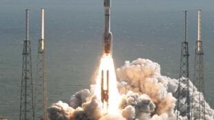 Foguete Atlas V abriga o robô Curiosity, o mais avançado para a exploração espacial de Marte.