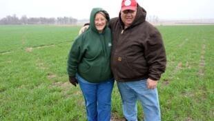 Art et Helen Tanderup sur leur ferme à Neligh, dans le nord du Nebraska, là où l'oléoduc Keystone XL prévoit de passer.