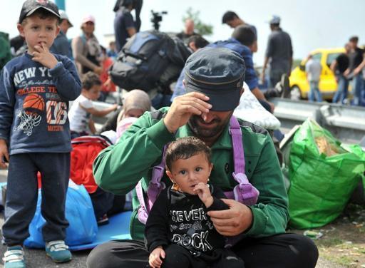 Wahamiaji wa Septemba 15, 2015 katika mji wa Horgos nchini Serbia karibu na mpaka na Hungary.