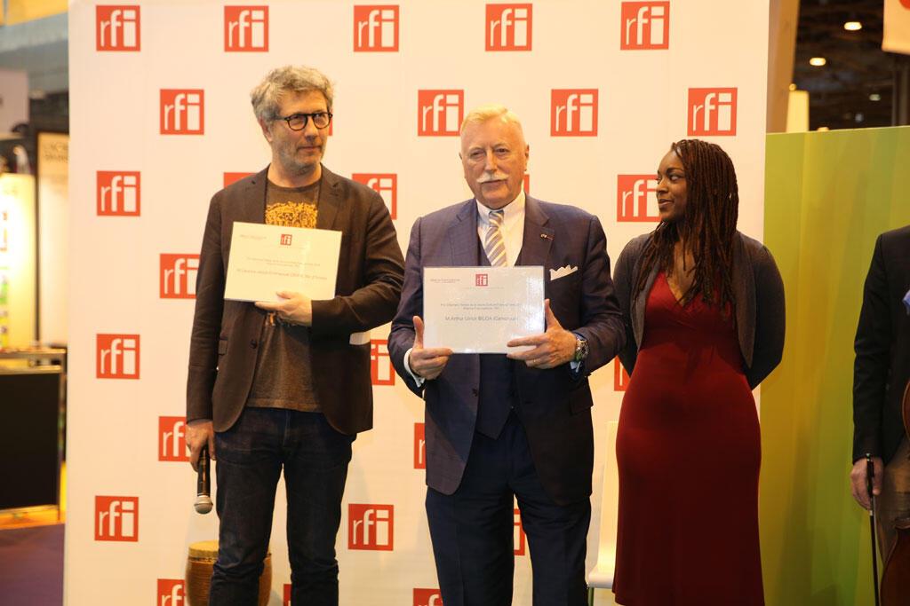 Pascal Paradou, adjoint à la directrice de RFI, en charge des Magazines ; Jean Guion, président de l'Alliance francophone et Jacky Tavernier, comédienne.