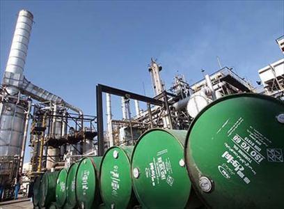 صادرات نفت ایران در ماه آوریل ٢٠۱٨ رکورد زد. در این ماه، بیش از ۶۰ درصد نفت ایران توسط چین، هند، کره جنوبی و ژاپن خریداری شد و شرکتهای اروپایی، مشتریان حدوداً ۴۰ درصد نفت ایران بودند.