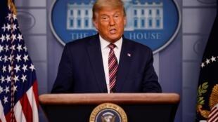 Donald Trump hablando desde la Casa Blanca el 5 de noviembre de 2020.