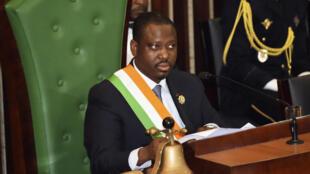 Le président de l'Assemblée nationale ivoirienne, Guillaume Soro, prononçant le discours de clôture de la seconde session plénière parlementaire à Abidjan, le 18 décembre 2015.