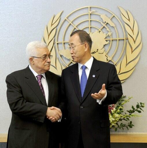 Tổng thống Mahmoud Abbas và tổng thư ký Liên Hiệp Quốc Ban Ki-moon tại trụ sở LHQ, New York, 19/9//2011.