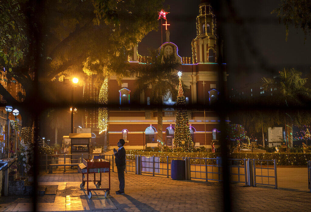 2020-12-24 india christmas christians covid-19 churches closed