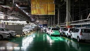 L'usine Renault à Téhéran, en avril 2016. Les constructeurs français ont fait leurs valises après le retrait américain de l'accord sur le nucléaire et le retour progressif des sanctions.