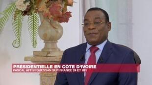 L'opposant ivoirien, Pascal Affi N'Guessen lors de son entretien avec RFI et France 24, mercredi 28 octobre à Abidjan.