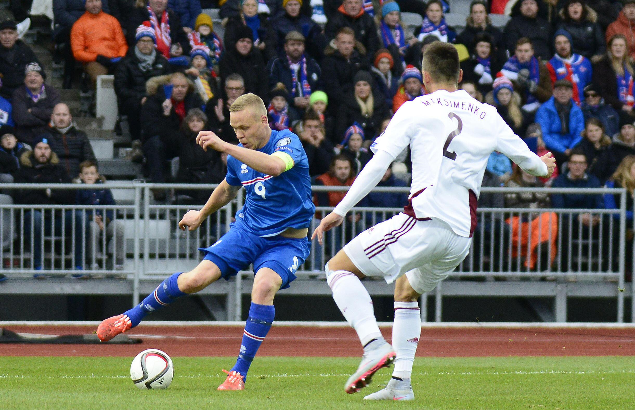 Cúp Euro 2016 : Kolbeinn Sigthorsson và các tuyển thủ Iceland gây bất ngờ khi đi tranh tài với những đội bóng sừng sỏ nhất của Châu Âu